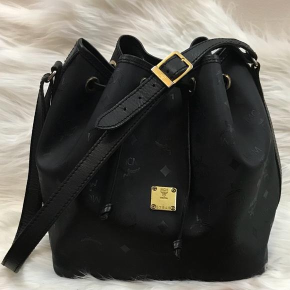 3a31be959 MCM Vintage Coated Canvas Bucket Shoulder Bag. M_5b104ee245b30c8b2b962107